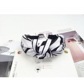 Stylish headbands white with black